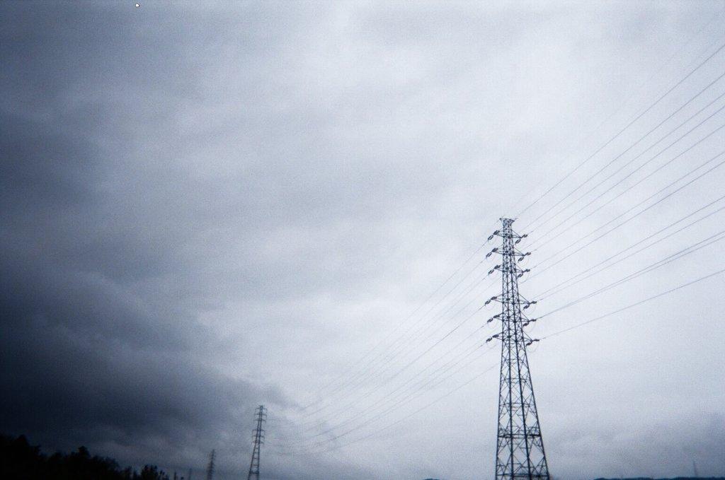 曇り 電柱 写真