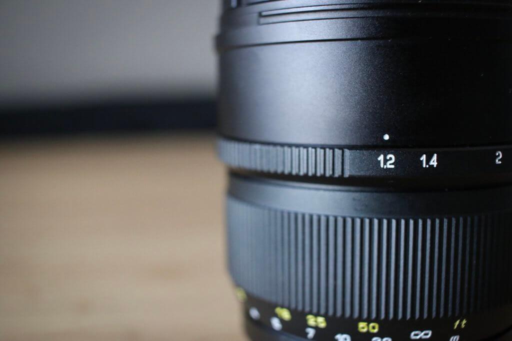 中一光学レンズ「SPEEDMASTER 85mm F1.2」