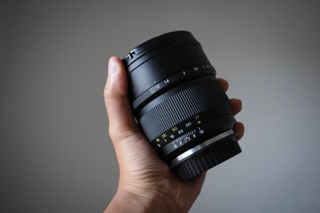中一光学 SPEEDMASTER 85mm F1.2 レンズ レビュー