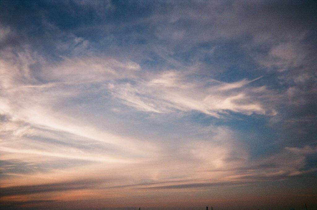 写ルンです 夕焼けと雲