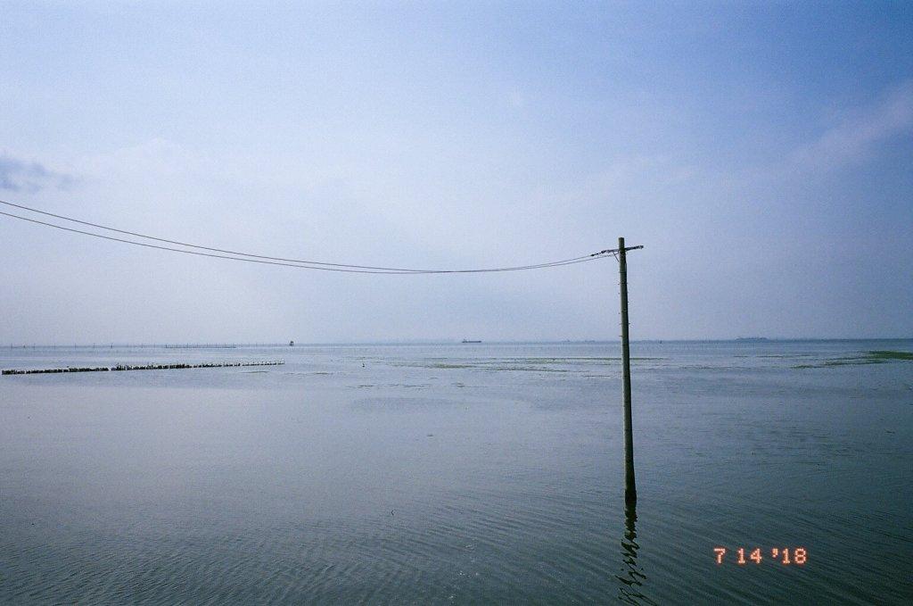海 電柱 写真