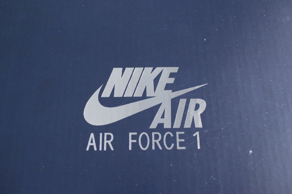 NIKE AIR FORCE1 箱