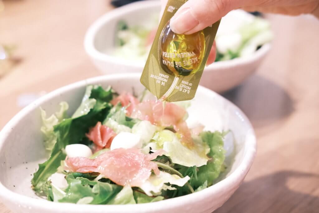 コストコ アルカラオリーバ 小分けされたオリーブオイル サラダ